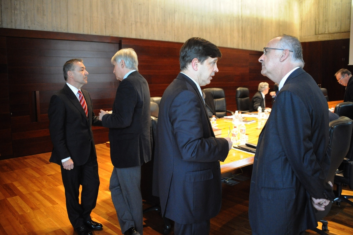Gobierno canario modifica su estructura y elimina el cargo de Comisionado para el Desarrollo del Autogobierno