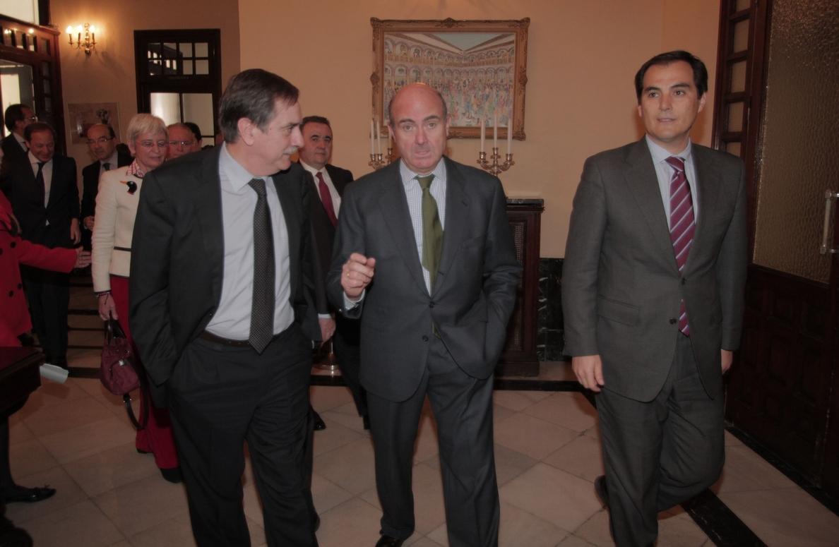 Guindos dice que Grecia «se equivocaría» si busca apoyo de Rusia o China