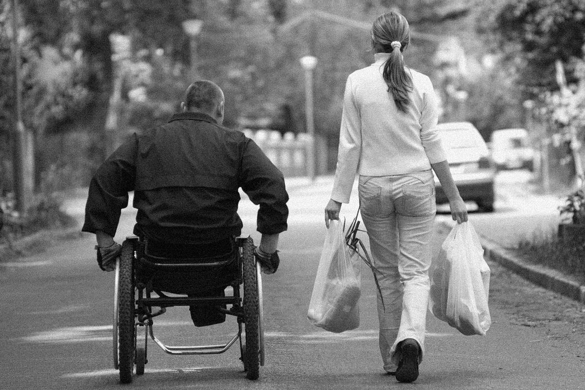 Llega a España un nuevo fármaco oral contra la esclerosis múltiple que reduce a la mitad los brotes