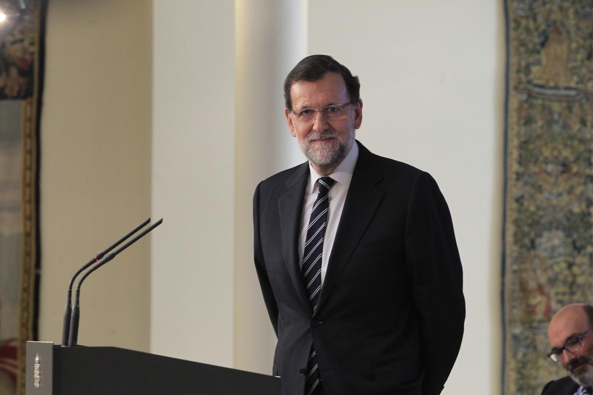 Rajoy dice que el «uso generalizado» de la administración electrónica ahorró en 2014 20.000 millones
