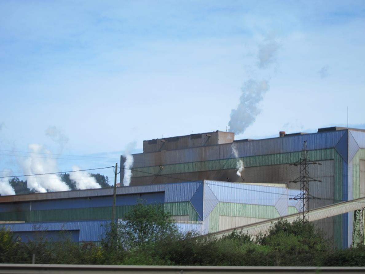 Colunga dice que tienen «plena confianza» en el futuro de las plantas de Arcelor al margen de inversiones concretas