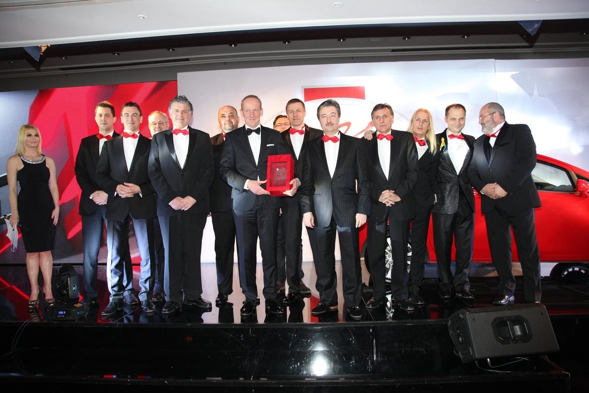 El Opel Corsa recibe el premio »AutoBest 2015»