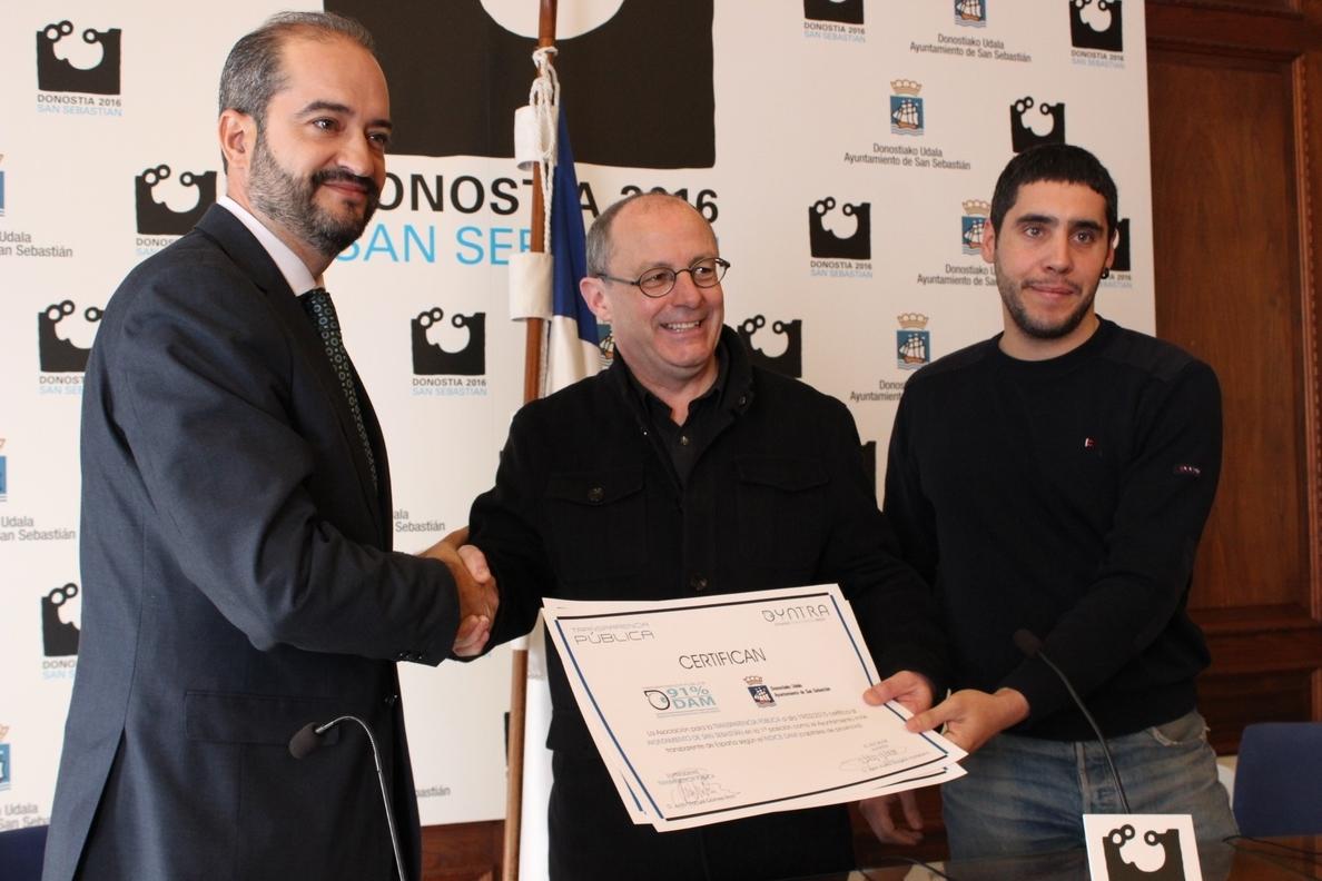 San Sebastián recibe el reconocimiento a «la ciudad más transparente» del Estado