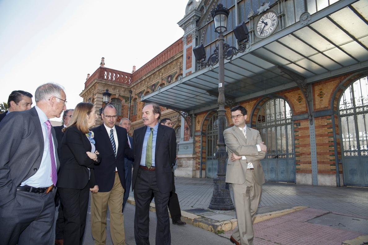 Alcalde y ministra de Fomento acuerdan la firma de un convenio para rehabilitar la Estación de Ferrocarril