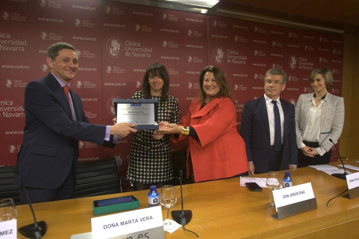 La Clínica Universidad de Navarra recibe el premio BIC al mejor hospital en atención al paciente