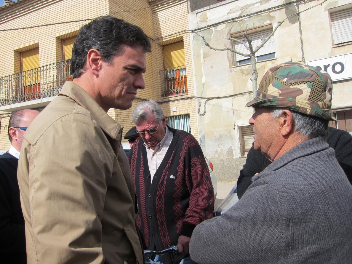 Sánchez pide a Rajoy que tome los mandos de una crisis que aún no ha acabado