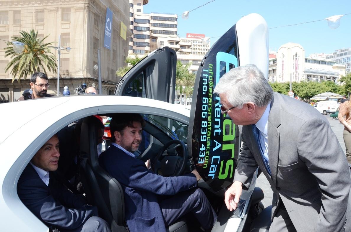 Empresa de »TF Invierte» ofrece recorridos turísticos por el área metropolitana de la isla con coches eléctricos