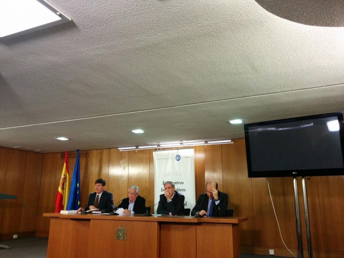 Fernando Jáuregui, preocupado por la deriva del «periodismo espectáculo» que da cabida a los que quieren ser políticos