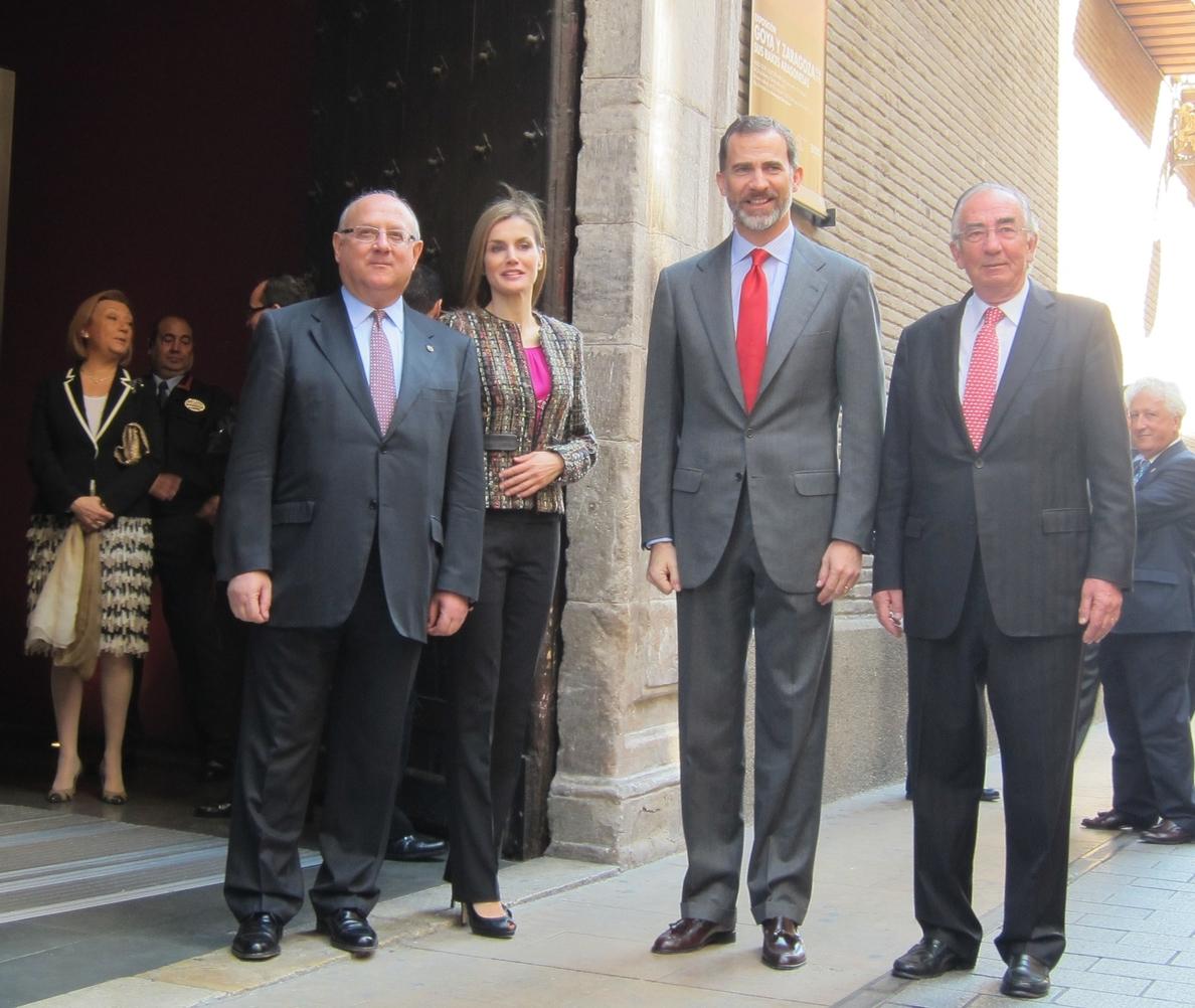 Los Reyes recorren el Museo Goya de Zaragoza para conocer las obras de juventud del pintor aragonés