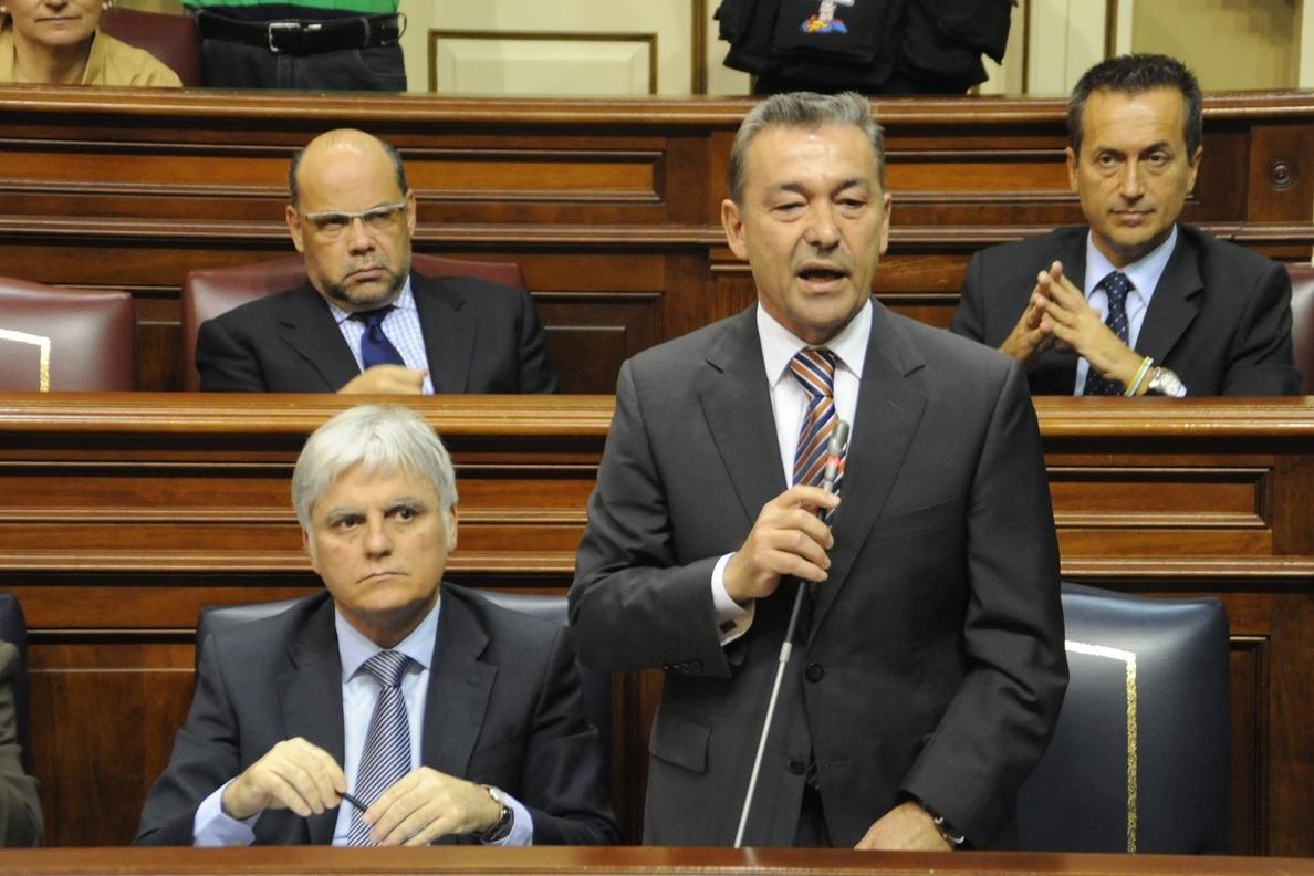 Rivero dice que la lucha contra el petróleo ha impulsado la «unidad» y pide «no mirar el ombligo» de cada isla