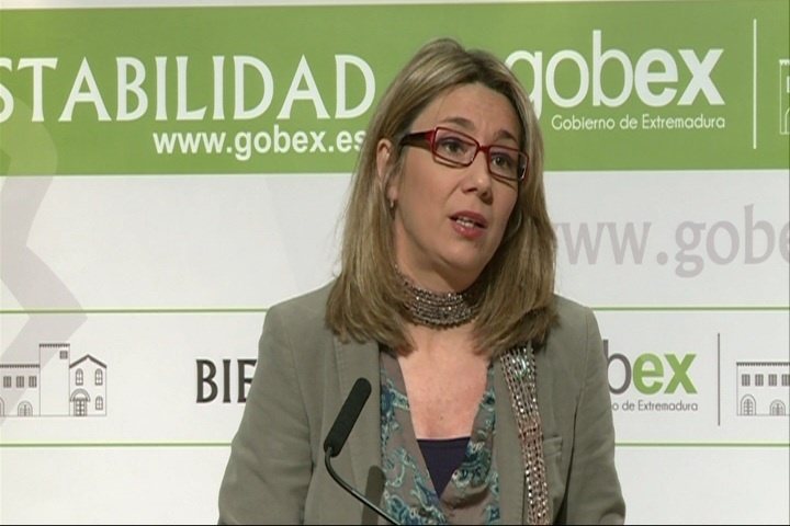 La vicepresidenta extremeña asegura que Monago acudirá a la campaña andaluza si así «se le requiere»