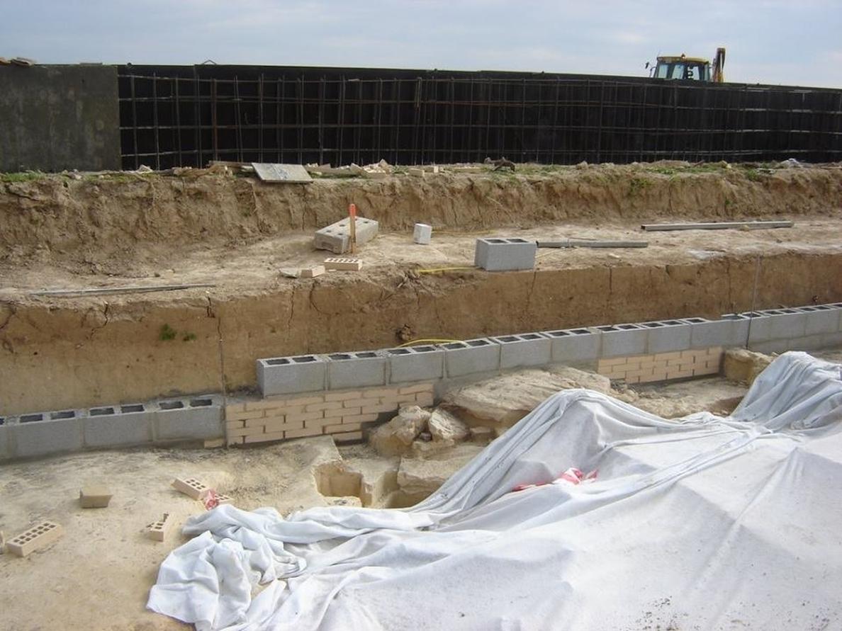 La Comisión de Patrimonio acuerda cubrir los nuevos dólmenes de Valencina y abrir expediente por las obras