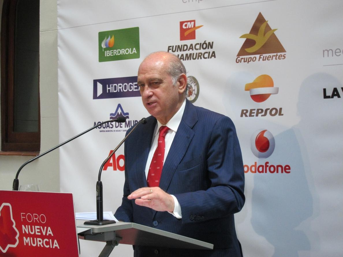 Fernández Díaz valora positivamente que un país abandone la lista de naciones que dan cobijo a terroristas