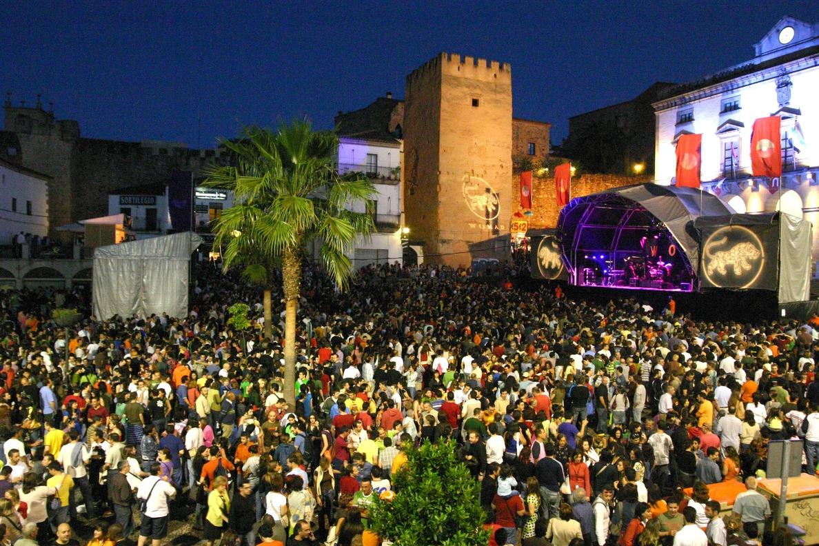 El festival Womad comienza en Cáceres con tres días de conciertos de 18 grupos