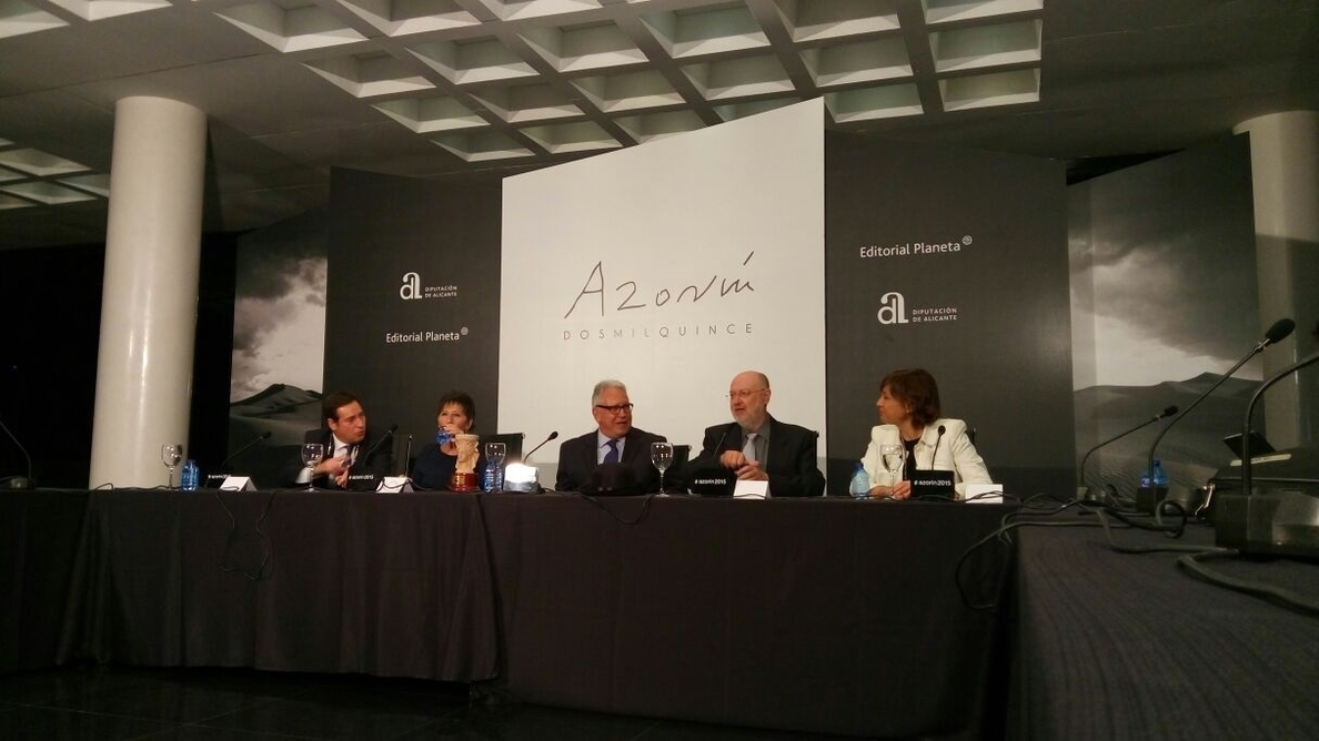 La Diputación de Alicante renueva hasta 2017 el convenio con Planeta para el premio Azorín de Novela