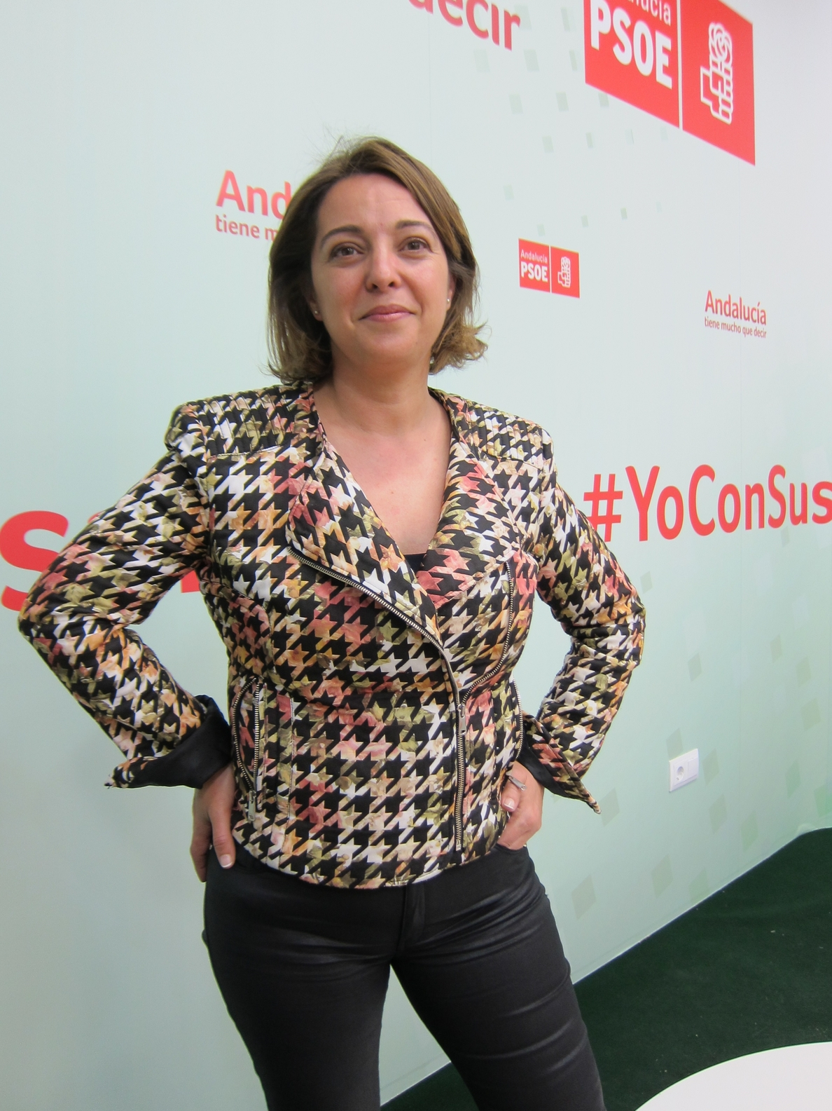 Ambrosio (PSOE) dice que su proyecto son «las personas» a las que Nieto «ha abandonado»
