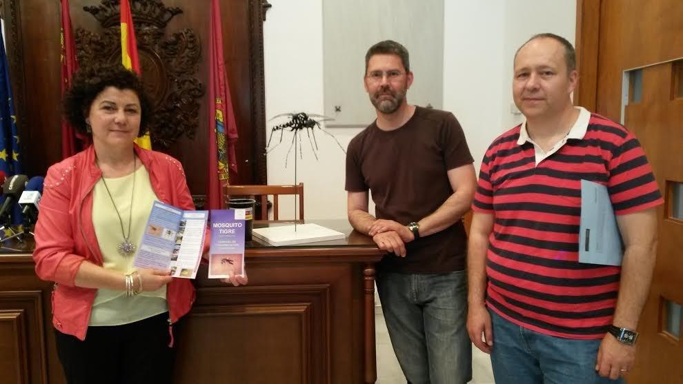 Ayuntamiento Lorca edita 5.000 folletos con consejos para combatir picaduras y detectar el mosquito tigre