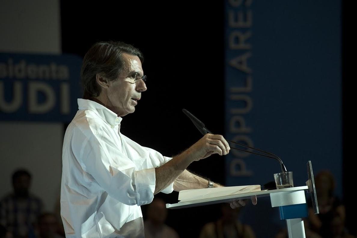 Aznar interviene en un mitin en Logroño junto a Sanz y Gamarra