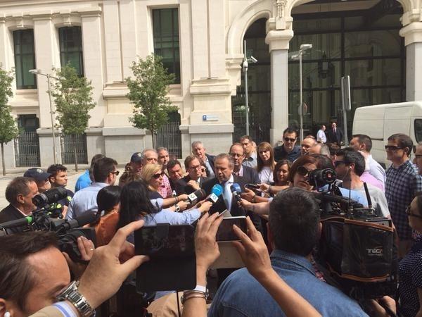 Carmona devolverá a los empleados municipales funciones de asesores, cargos de designación política y empresas privadas