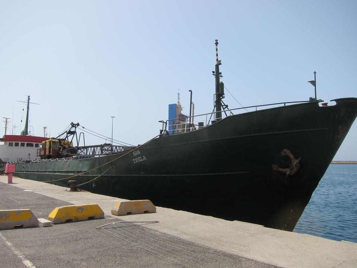 Detenidos seis tripulantes de un pesquero con cinco toneladas de hachís en aguas de Cabo de Gata