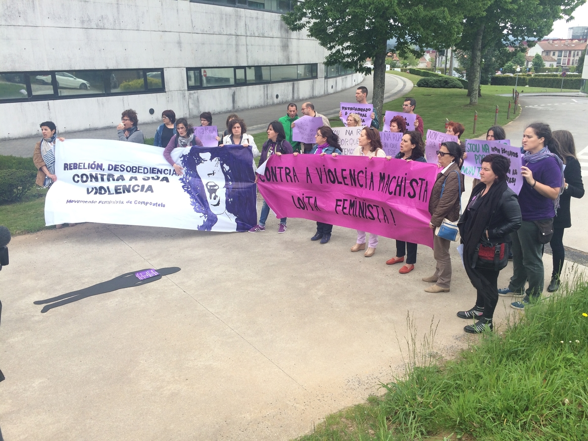Feministas piden que se «depuren responsabilidades» tras el crimen machista en un hospital de Ourense