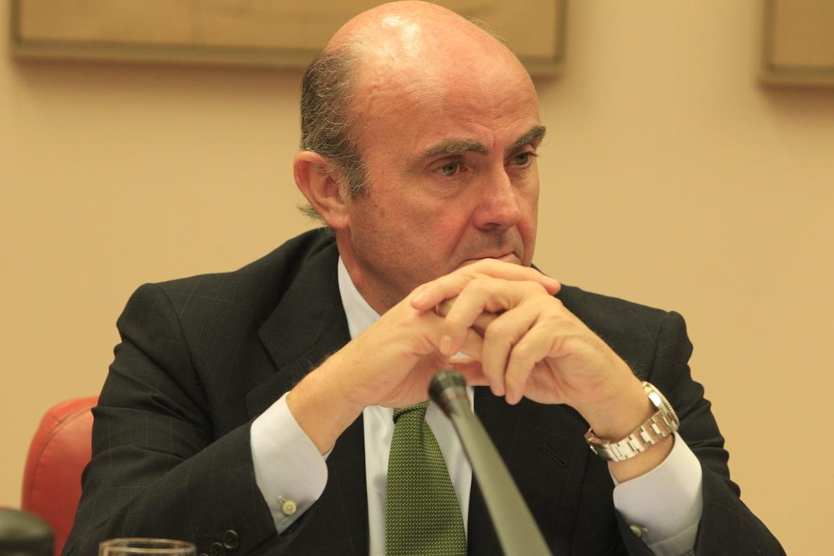 Bruselas advierte a España que o hace más reformas o no cumplirá con el déficit