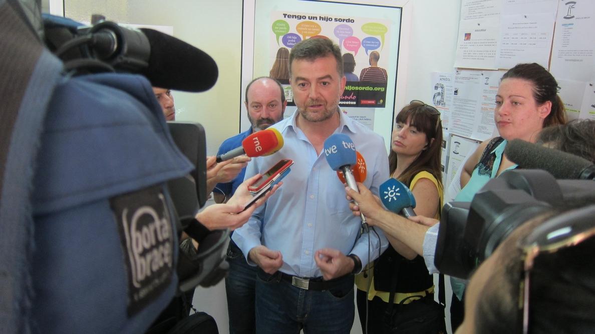 Maíllo (IU) dice que «la falta de confianza» hacia el PSOE es «insalvable» y ve «complicada» la abstención