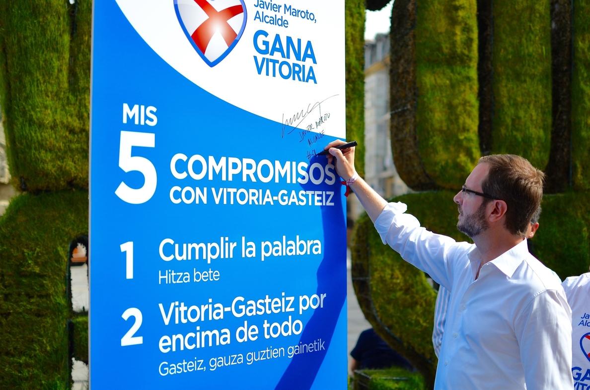 Maroto (PP) asegura que lleva «Vitoria tatuado en el corazón» y critica a quienes sólo lucen siglas de partido