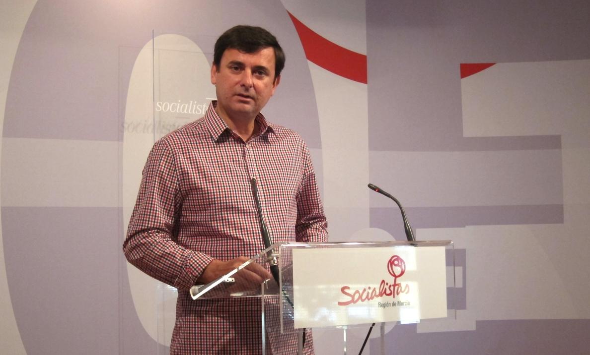 PSOE: «El PP deja la Educación hecha un solar, con la tasa de jóvenes con estudios superiores más baja del país»