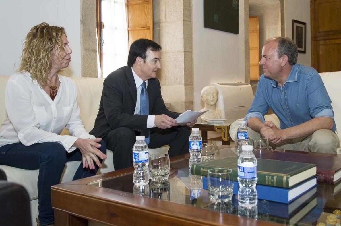 La Plataforma del Voluntariado propone a dos asociaciones contra el cáncer para la Medalla de Extremadura