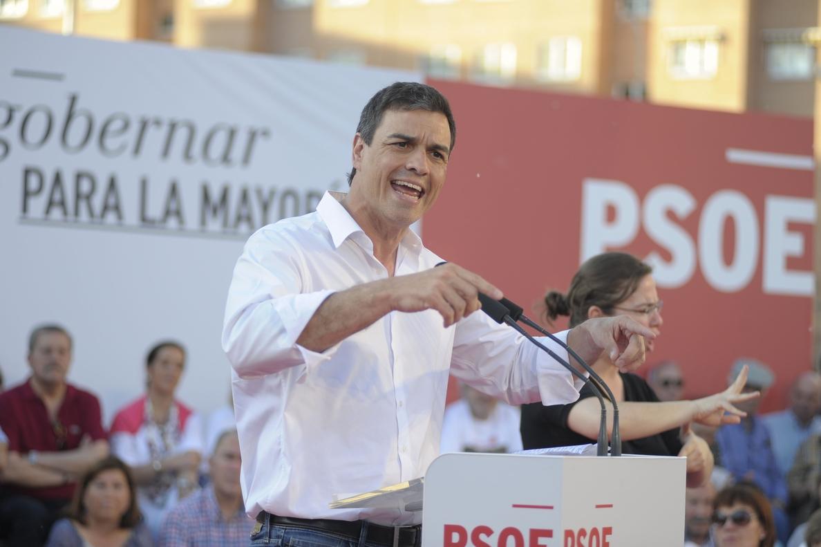 Pedro Sánchez seguirá sin entrar en el cuerpo a cuerpo contra Podemos y Ciudadanos, porque su adversario es el PP