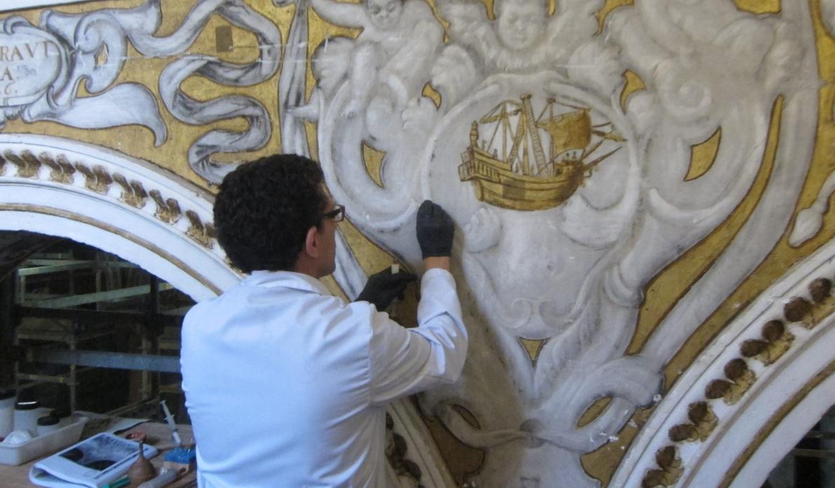 La fase final de restauración de Santa María la Blanca aflora la tercera dimensión de pinturas murales