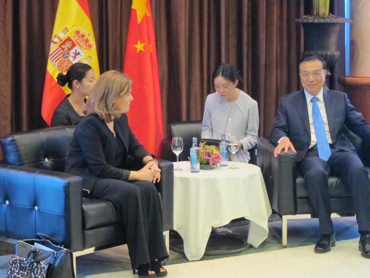 Santamaría y el primer ministro chino abogan por mejorar las relaciones comerciales y las conexiones entre ambos países