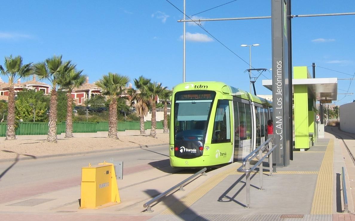 Tranvía de Murcia reparte este jueves premios a sus usuarios con motivo de su cuarto aniversario