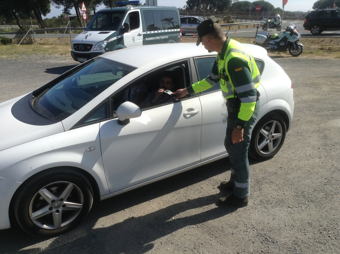 El Ayuntamiento de Teruel se une a la campaña especial de la DGT de control de alcoholemia y drogas en conductores
