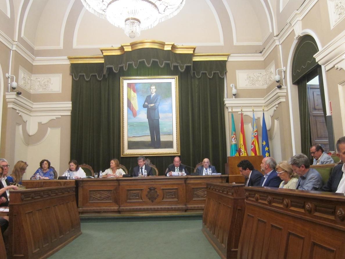 El último pleno del Ayuntamiento concluye con despedidas y el recuerdo a Carlos Fabra de un edil del PP