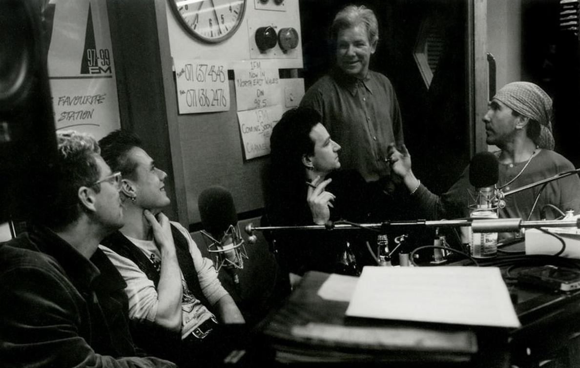 Muere en plena gira Dennis Sheehan, tour manager de U2