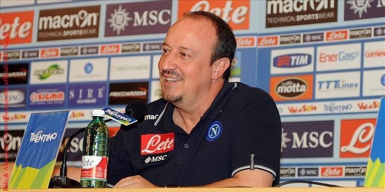 Benítez anuncia su marcha del Nápoles y se acerca al Madrid