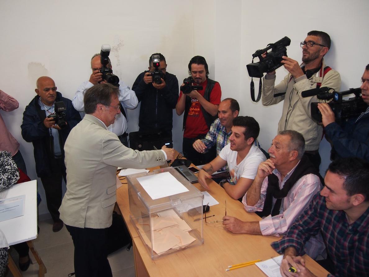Vivas cree que Rajoy tiene «madera» para «seguir dirigiendo esta nave» y se ha ganado el poder medir sus tiempos