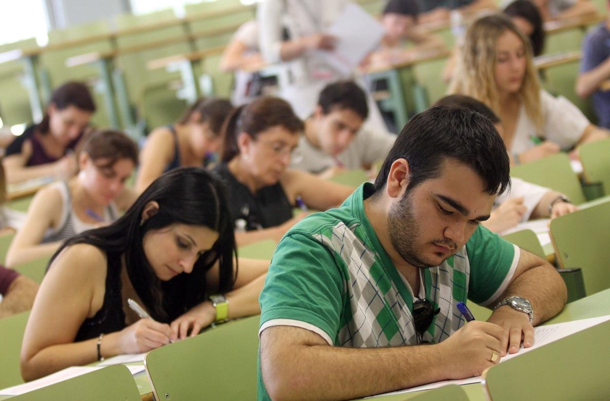 Un total de 14.265 aspirantes se presentan a las oposiciones para cubrir 877 plazas de docentes