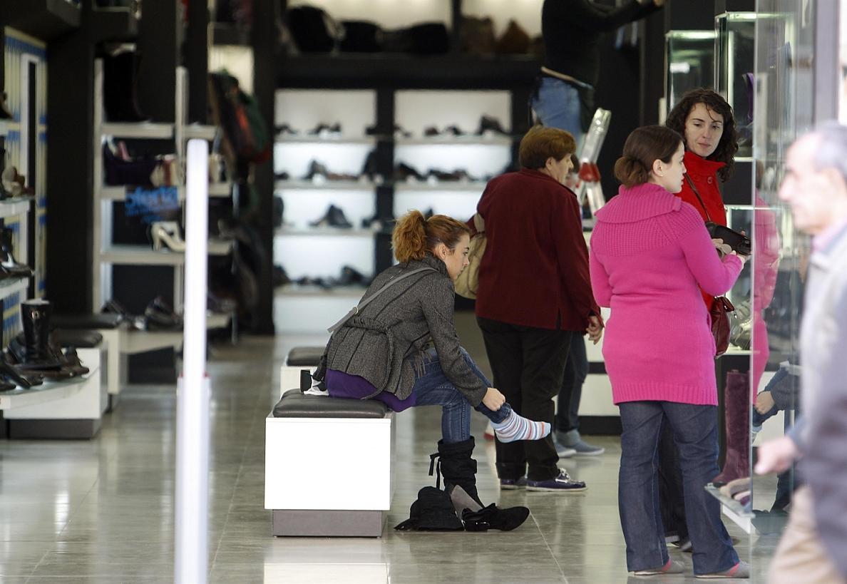 Las ventas del comercio minorista crecen un 4,6% en la Comunitat y el empleo un 1%