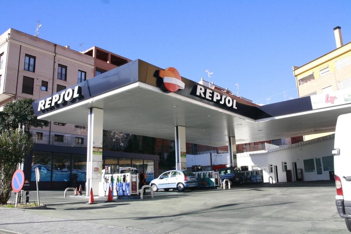 Los carburantes vuelven a subir y rozan su precio máximo en 2015