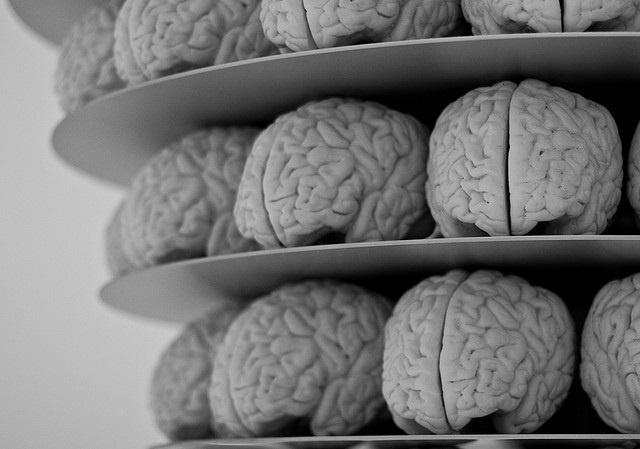 Las moléculas que intervienen en el Alzheimer influyen en el debilitamiento de las conexiones entre las neuronas