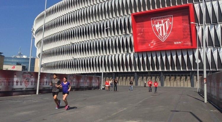Cuatro atletas vizcaínos recorrerán 600 kilómetros entre Bilbao de Barcelona en un duatlón solidario por la infancia