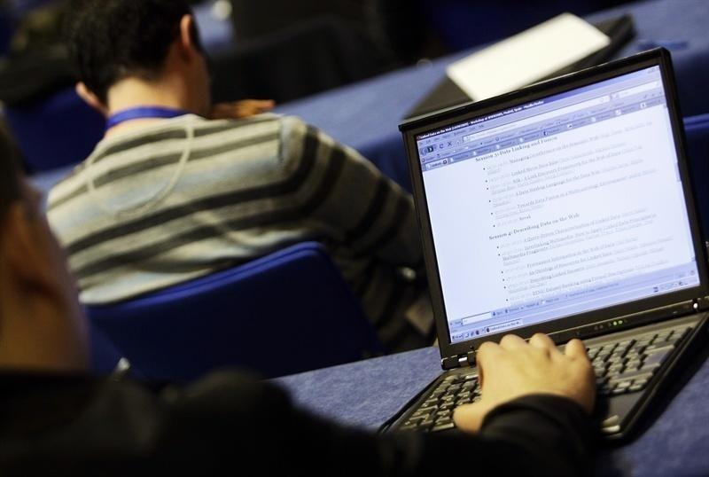 La reforma laboral de 2012 contribuyó a crear empleo y a bajar los salarios