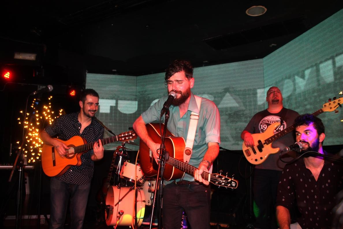 La sala Galileo acoge un concierto solidario en favor de Antares con actuaciones de Rash y Adán Latonda, entre otras
