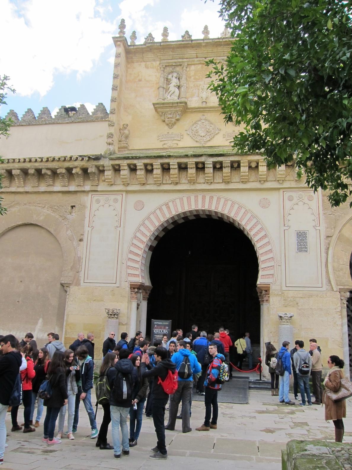 El Ayuntamiento buscará la forma más rápida que haga «realidad» la segunda puerta de la Mezquita