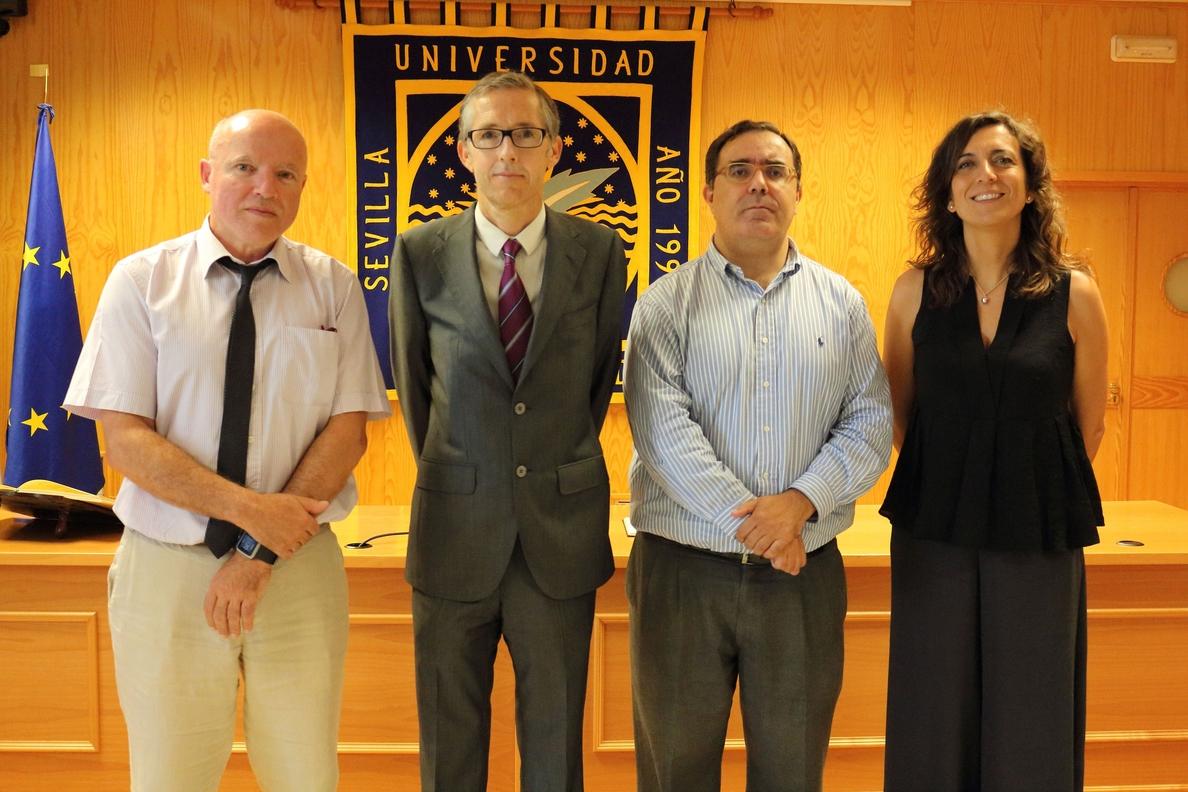 El catedrático Carlos Alarcón toma posesión como nuevo Comisionado para la Defensoría Universitaria