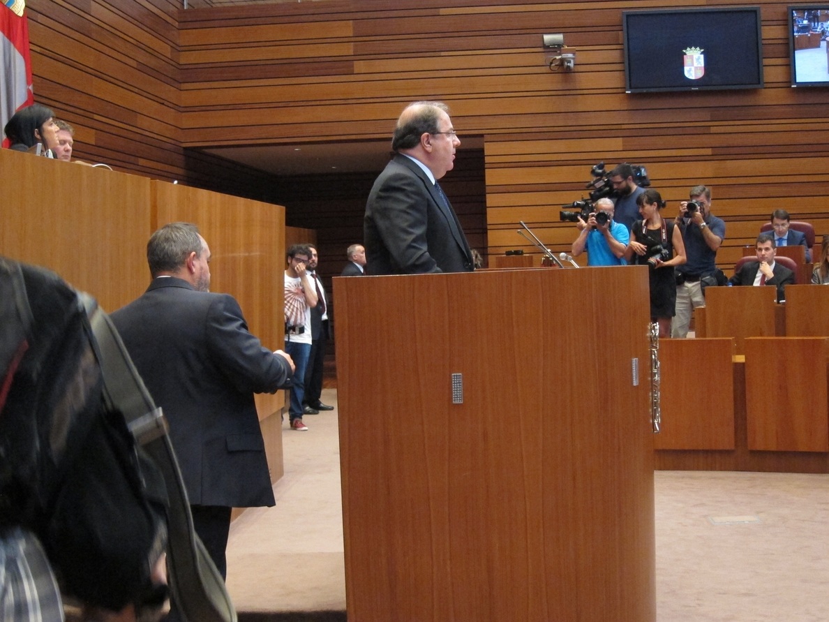 Herrera anuncia un nuevo sistema de ayudas para másteres y la congelación de las tasas universitarias en CyL
