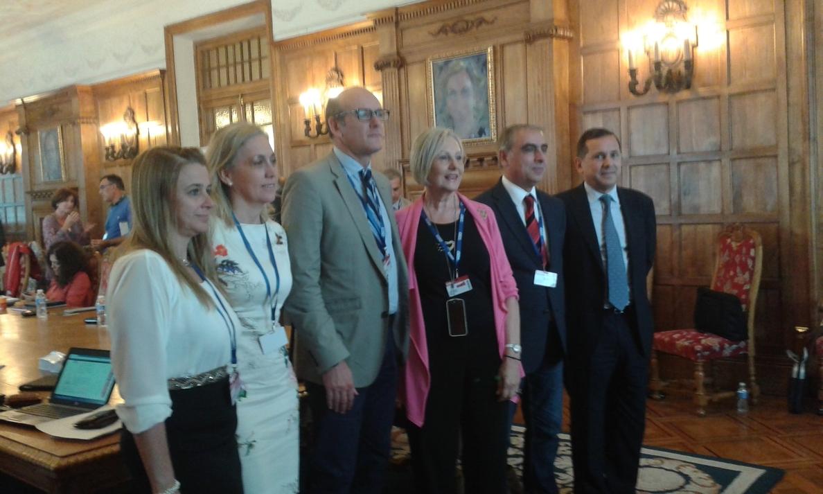 El PSOE considera «inadmisible» que no se sepa «realmente» el coste de los medicamentos contra la hepatitis C